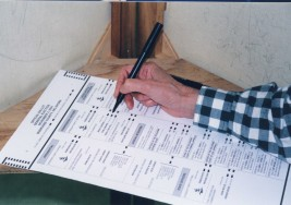 Losowanie składów obwodowych komisji wyborczych w Wiedniu